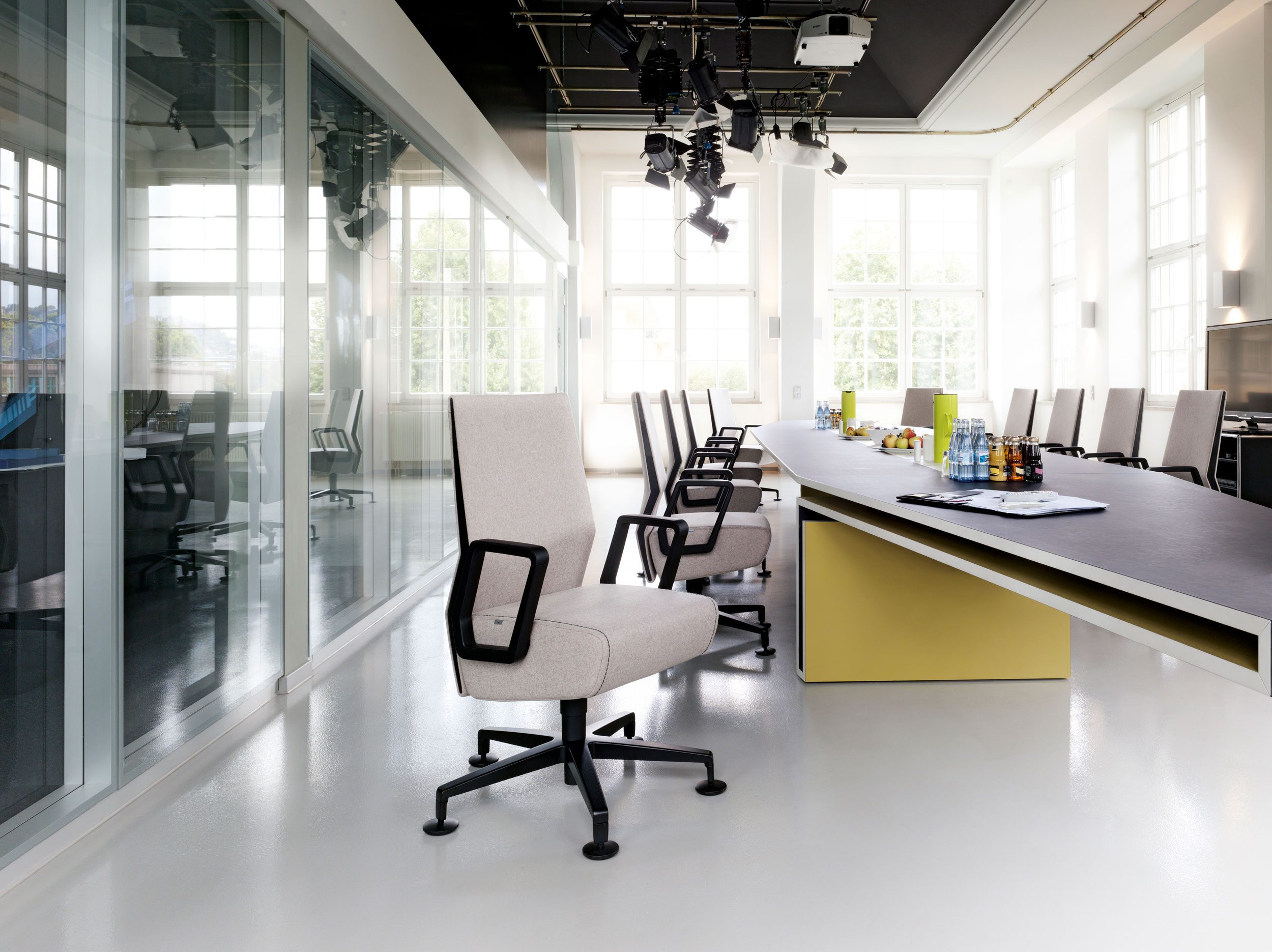 Our five favourite Interstuhl office chairs - K2 Space